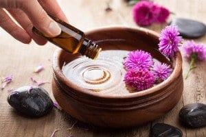 best-essential-oils-for-sore-throat