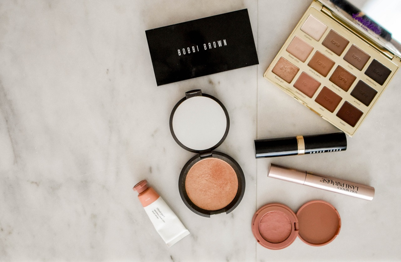 clean makeup brands featured
