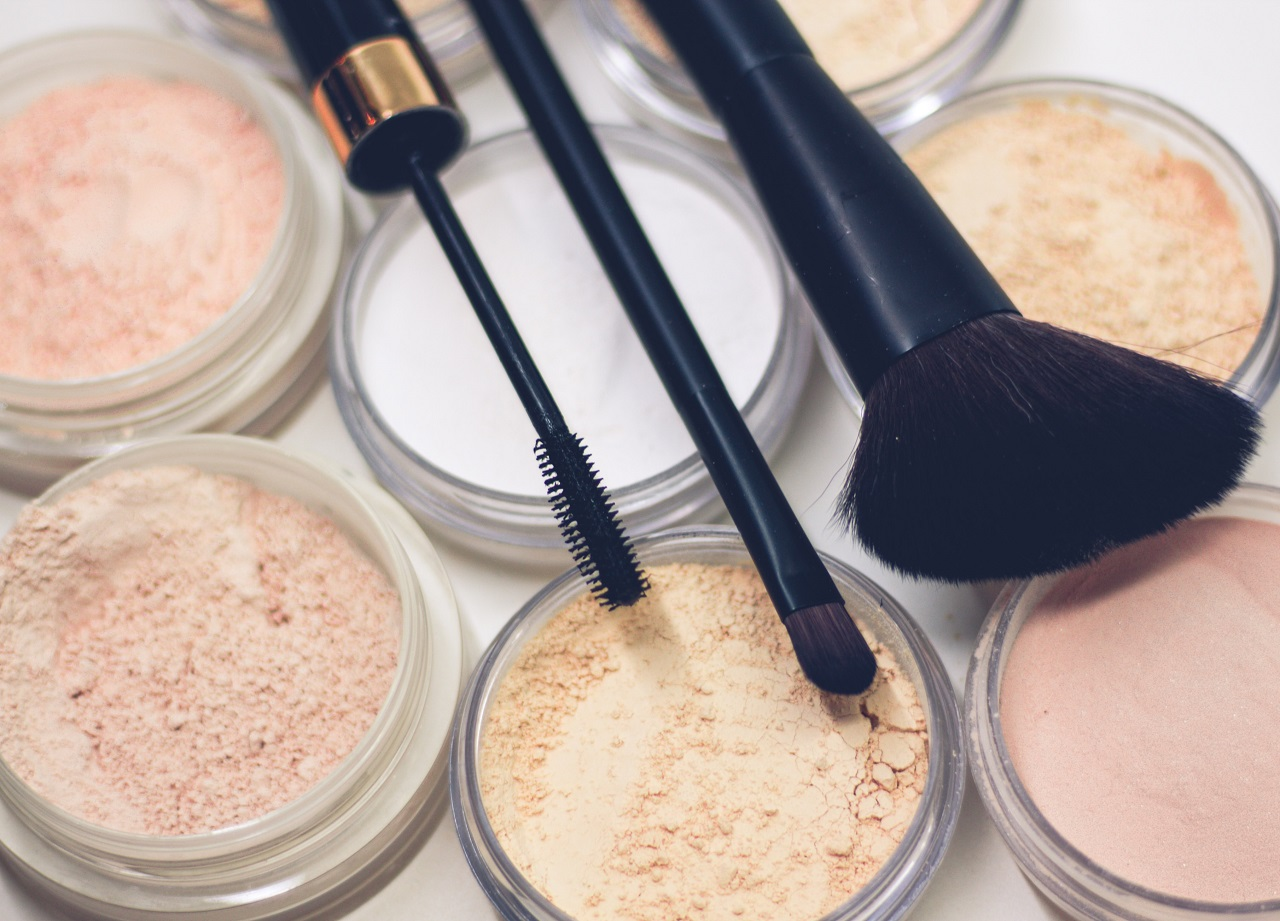 silicone free foundations featured